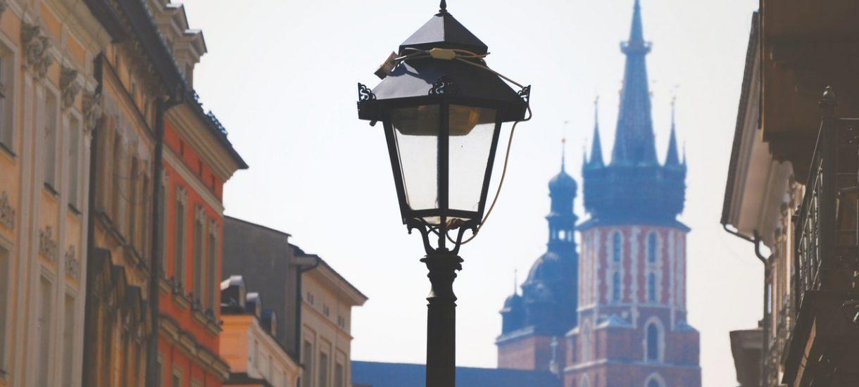 Mieszkańcy Krakowa postawili znaki drogowe, namalowali pasy i wyznaczyli rondo, a kierowcy posłusznie dostosowali się do tej samowoli