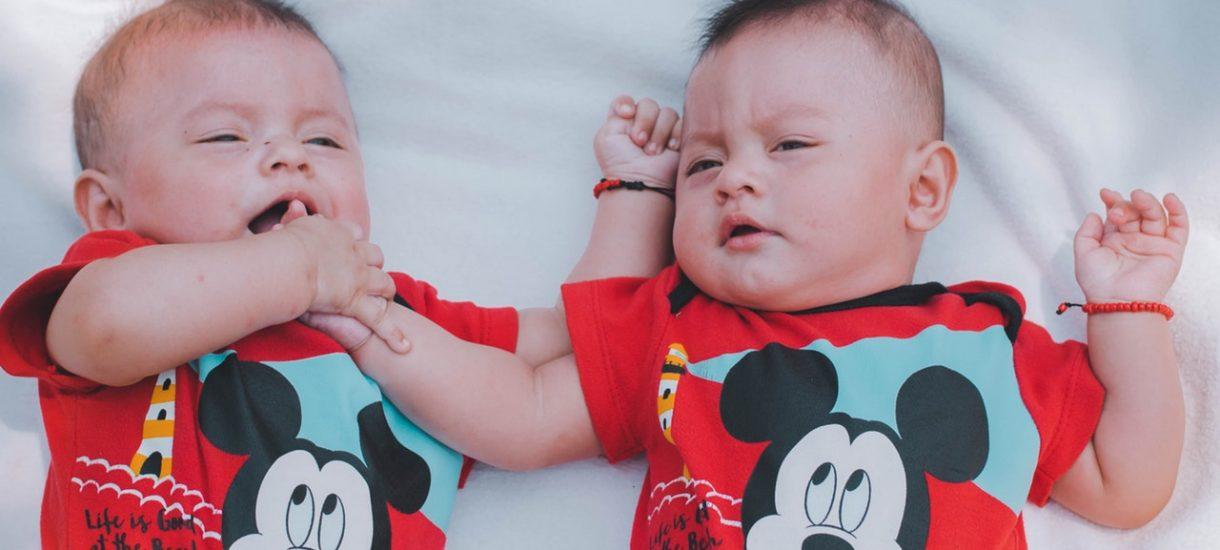 Kobieta, w wyniku nieprawidłowego zapłodnienia in vitro, urodziła cudze dzieci i teraz musi je oddać biologicznym rodzicom