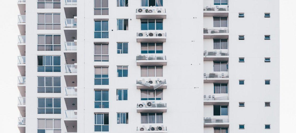 Dwa miliony złotych – tyle trzeba zainwestować w nieruchomości, by móc żyć z wynajmu