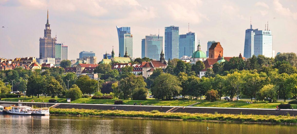 Warszawa zbiednieje przez zerowy PIT dla młodych. Miasto prosi Morawieckiego o rekompensatę