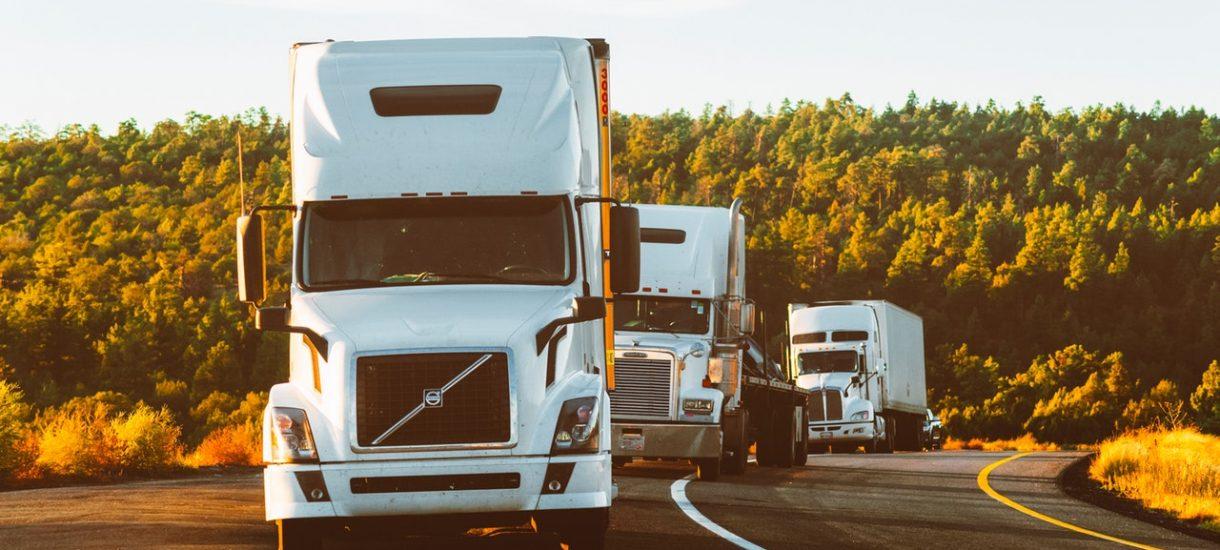 Wiceminister proponuje, żeby zabronić kierowcom ciężarówek wyprzedzania. Czy to rozwiąże problem wyprzedzających się TIR-ów?