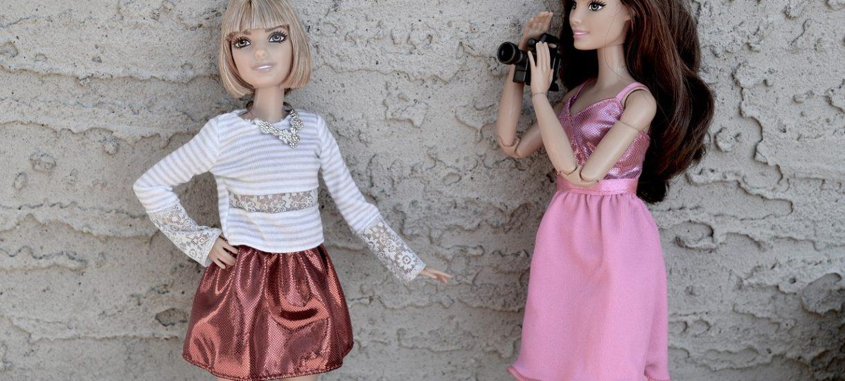 Mamy XXI w., a profesjonalista na LinkedInie żali się, że kobiety w krótkich spódniczkach mogą rozpraszać swoich kolegów w pracy