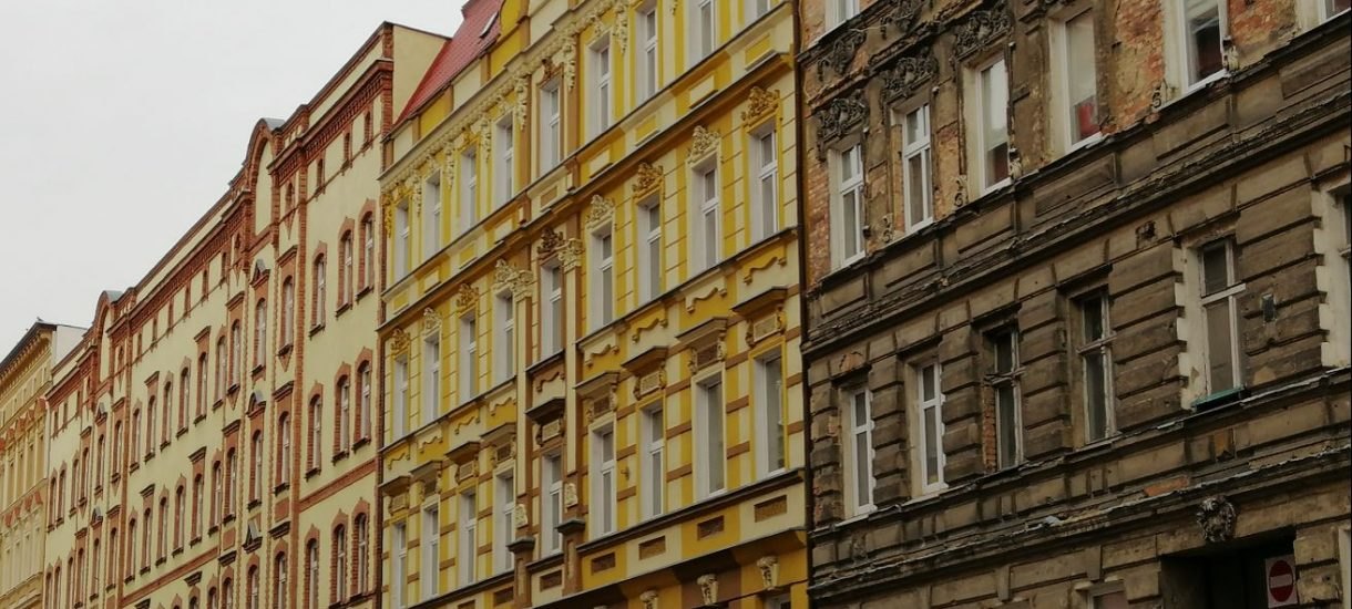 Polska prawie jak Włochy. Mieszkanie z mamą to dla millenialsów już standard i wie o tym nawet producent Monopoly