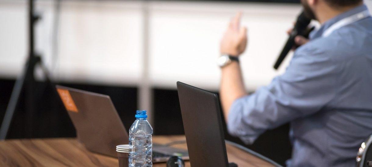 Przedsiębiorcy mogą wliczyć w koszty firmowe wydatki na edukację, ale pod pewnymi warunkami