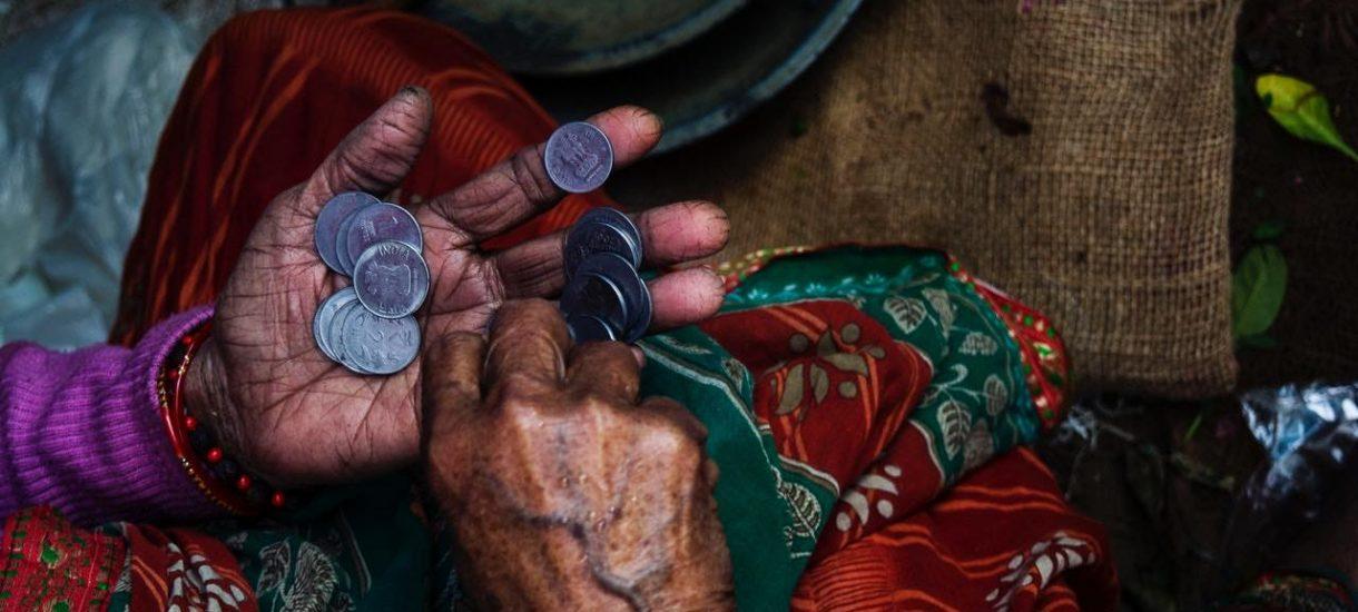 Warto przeszukać własne kieszenie i portfel w poszukiwaniu majątku. Niektóre polskie monety można na Allegro sprzedać za krocie