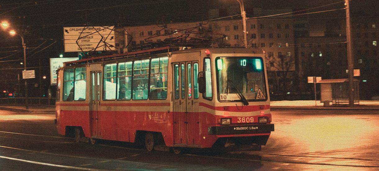 Jutro pojedziemy za darmo pociągami i autobusami miejskimi. 22 września możemy zostawić auto w garażu