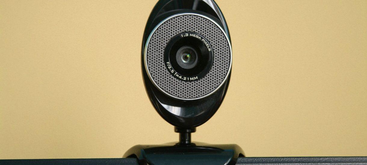 Cyberprzestępcy szantażują rzekomymi nagraniami wideo z kamer internetowych i dysponują bazą PESEL. Nie daj się nabrać