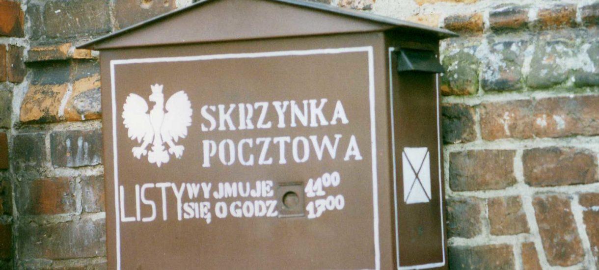 Poczta Polska drożeje prawie jak…. pietruszka. W ciągu 4 lat znaczki podrożały nawet o 89%