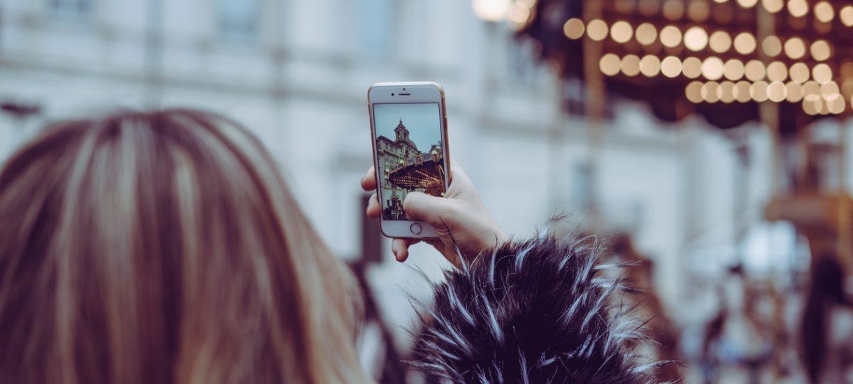 Można już wynająć chłopaka, który nie tylko oprowadzi po mieście, ale i zrobi zdjęcie na Instagrama