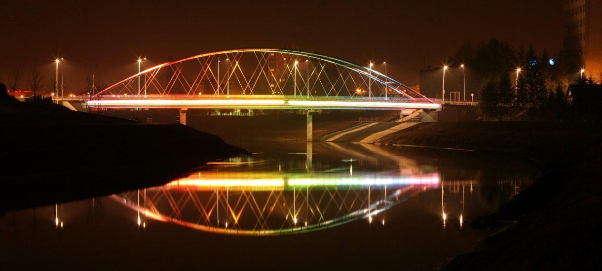 Lwów to nie L'viv. Nazwy zagranicznych miast na znakach drogowych własnie idą do zmiany