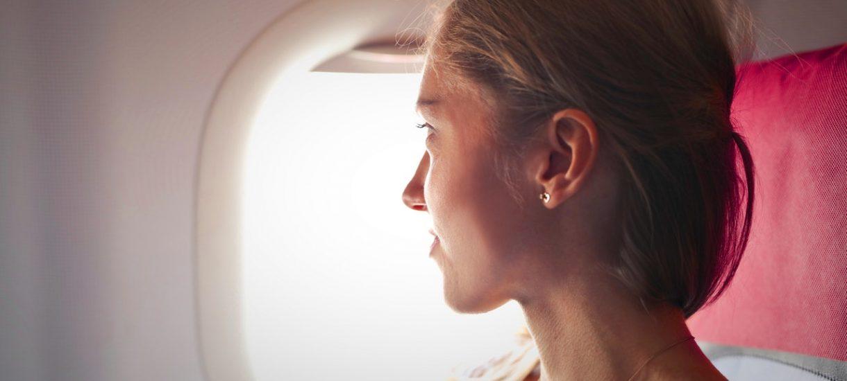 Linia lotnicza zapłaci 60 tys. odszkodowania. Bo nie przetłumaczyła… pasów bezpieczeństwa
