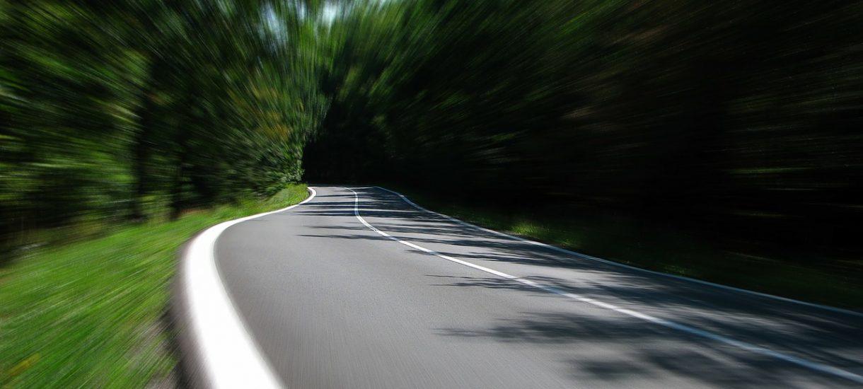 Kierowcy czują się bezkarni. I nic dziwnego, skoro odcinkowy pomiar prędkości nie działa, bo większość wykroczeń się przedawnia