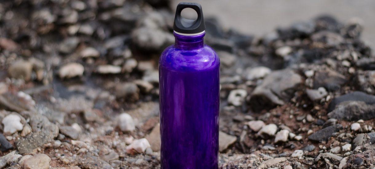 Już nie zegarek czy torebka. Teraz symbolem statusu jest… luksusowa butelka na wodę
