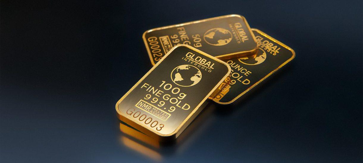 W czasach wymyślnych produktów bankowych, inwestowanie w złoto jawi się jako swoisty powrót do korzeni lokowania kapitału