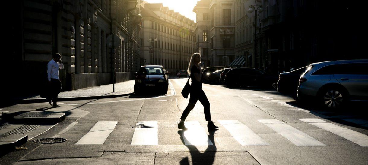 Mandat zależny od dochodu, pierwszeństwo pieszych i wydłużenie zielonego światła – takie są najnowsze pomysły na poprawę bezpieczeństwa
