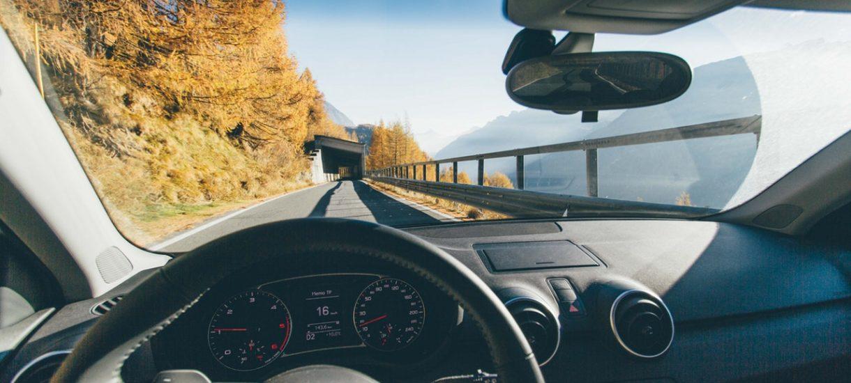 """Zamiast grzywny za przekroczenie prędkości – przymusowy postój na poboczu. """"Dla kierowców czas jest droższy niż pieniądze"""""""
