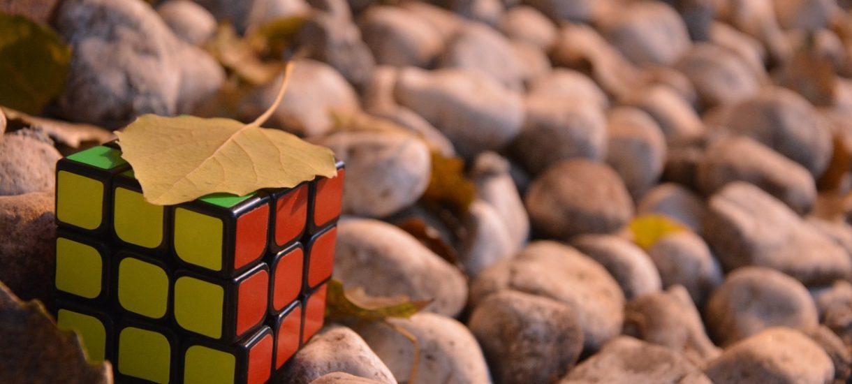 Kostka Rubika jest tak samo problematyczna jak klocki LEGO. Właśnie zakończył się spór
