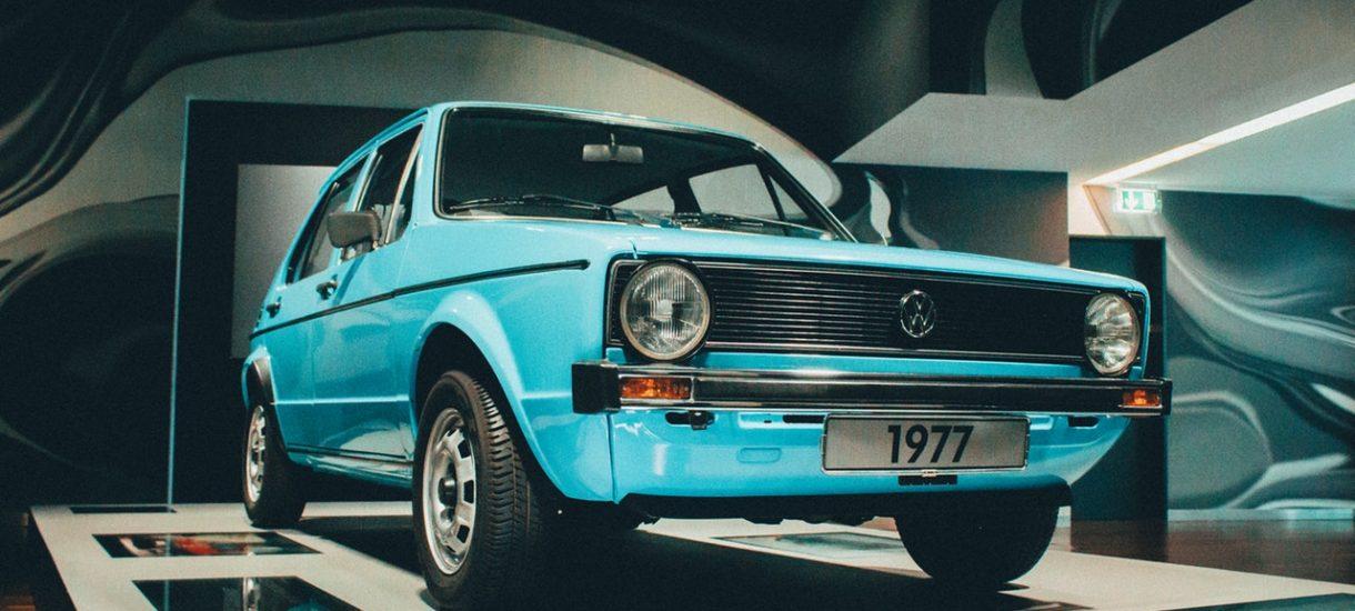 Kara za nieprzerejestrowanie pojazdu w terminie wynosić będzie aż 1000 złotych. Co ważne, nie nałoży jej policjant