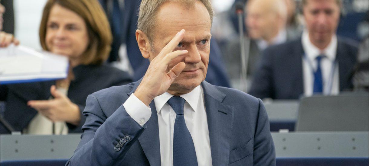 Już nawet ZUS stracił cierpliwość do TVP za podawanie nieprawdziwych informacji na temat emerytury Donalda Tuska