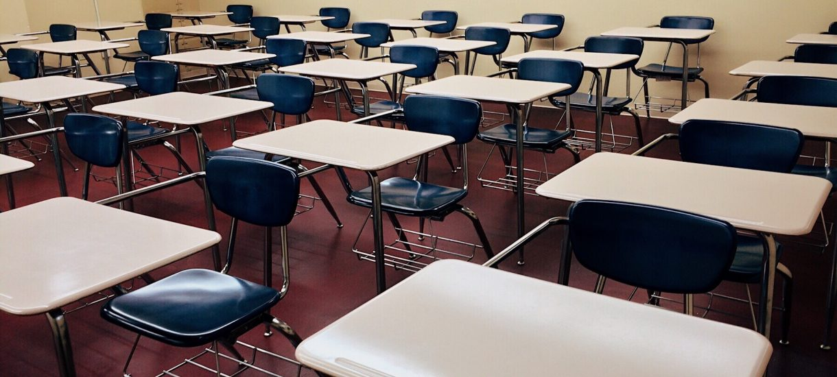 Małopolskie kuratorium chce donosów – uczniowie mają informować w ankietach o tym, jakie treści przekazują im nauczyciele