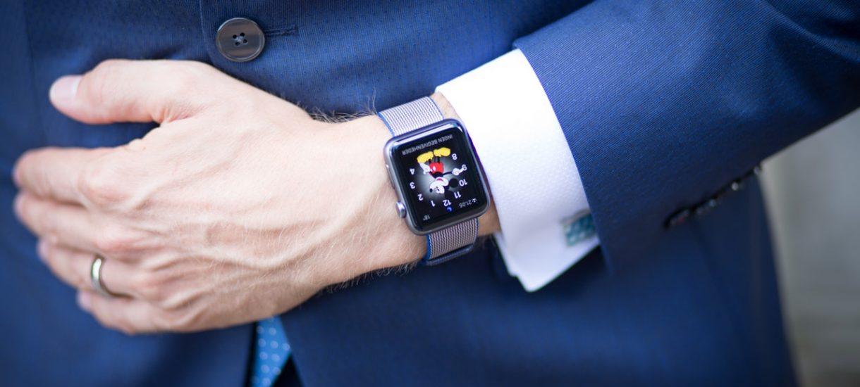 Czy można kupić zegarek na firmę? Czy może lepiej kupić smartwatch?