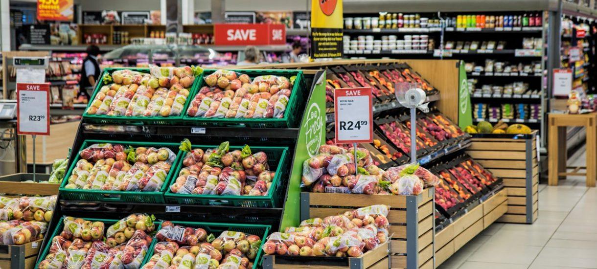 Konsumenci mają się czego bać. UOKiK publikuje listę nieprawidłowości – sklepy oszukują przede wszystkim na ciastkach, rybach i mięsie