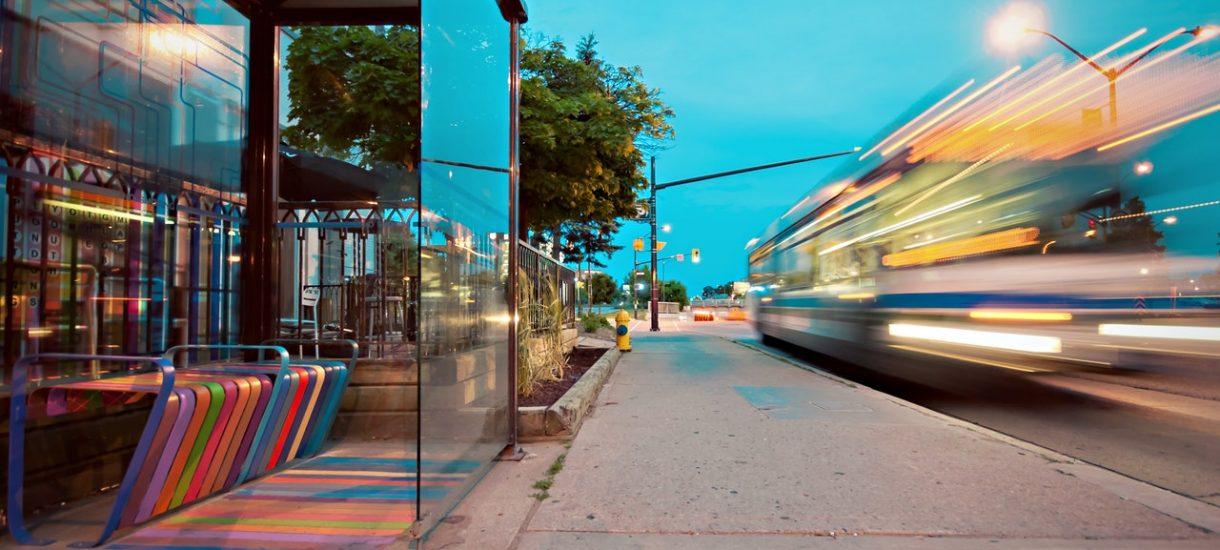 Autobus pełen podróżnych czekał 30 minut na jednego pasażera. Sytuacja rodem z PRL-u, czy też normalna praktyka przewoźników?
