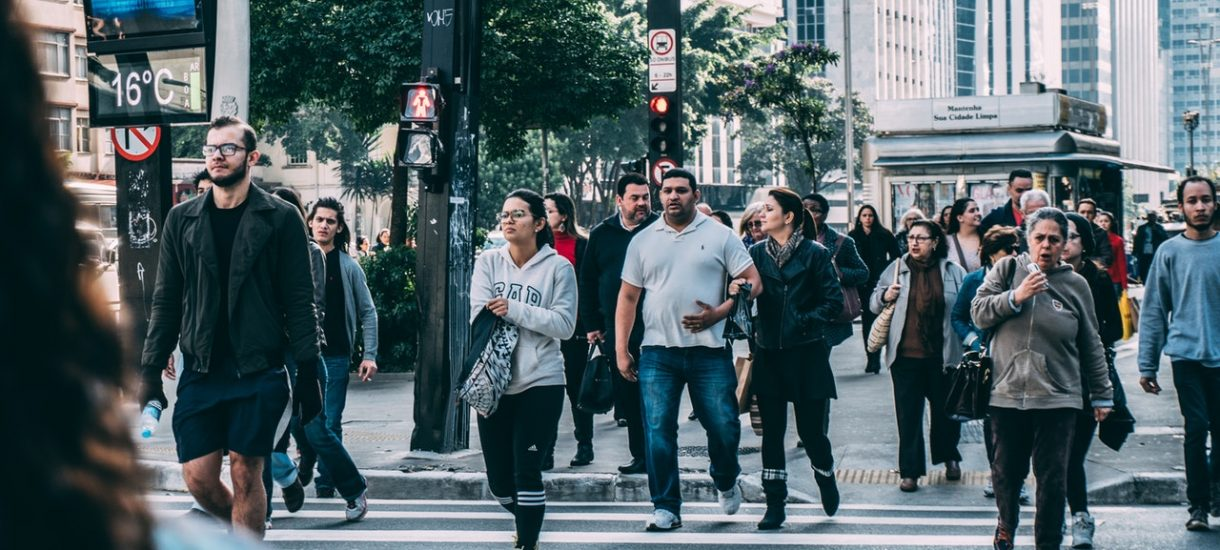 Ktoś w Ministerstwie Infrastruktury uznał, że ulice spłyną krwią pieszych. Brak zmian w pierwszeństwie pieszych