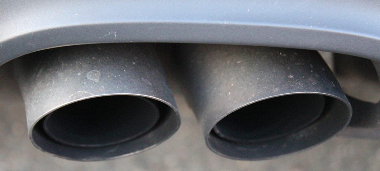 Konserwatywni antyekolodzy specjalnie modyfikują swoje samochody tak, by generowały więcej spalin i zanieczyszczeń