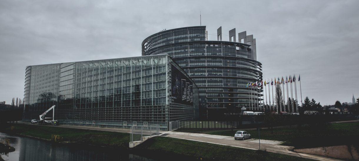 Komisja Europejska chce zawieszenia Izby Dyscyplinarnej Sądu Najwyższego przez TSUE