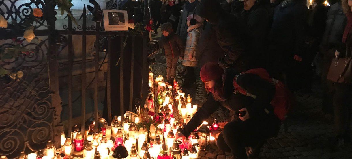 Rok od zamachu na prezydenta Gdańska. Dlaczego Stefan W. wciąż jest tylko podejrzany? Co dzieje się w innych śledztwach?