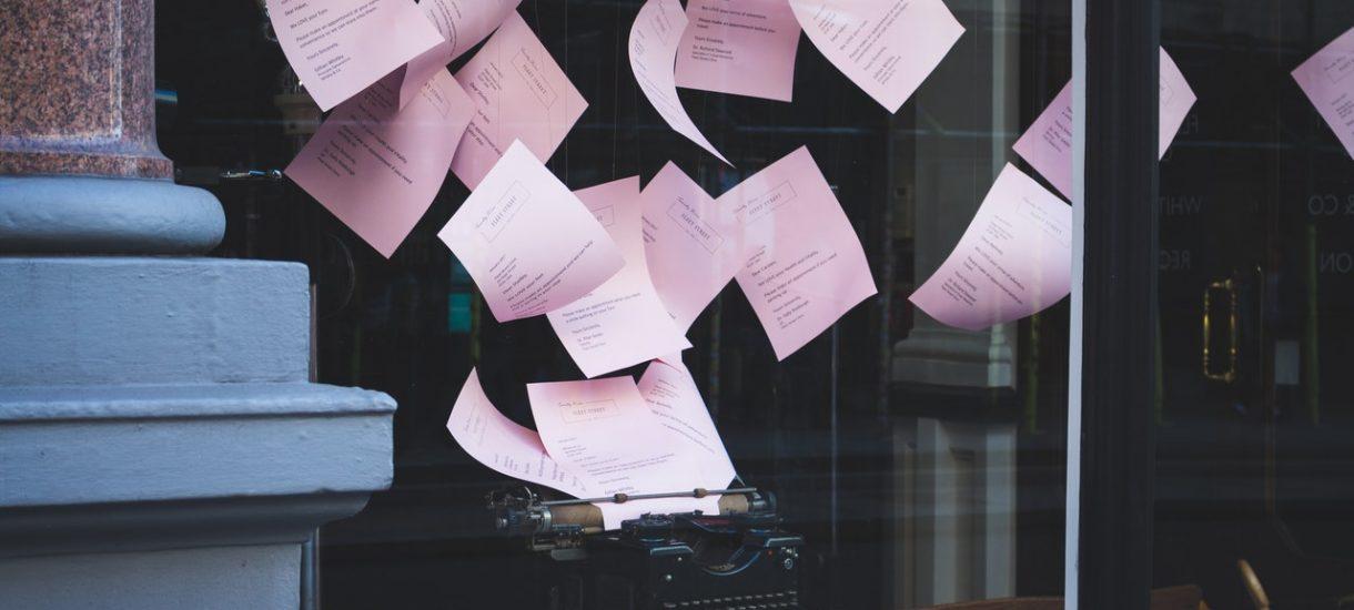 Biurokracja w Polsce ma się dobrze. Mikroprzedsiębiorca ma do wysłania do urzędów przeciętnie 119 dokumentów rocznie
