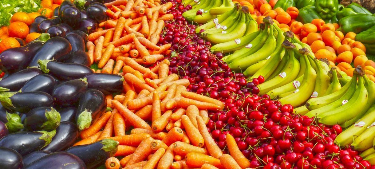 Żywności nie zabraknie – minister zapewnia, a półki sklepowe rzeczywiście zapełniają się każdego ranka