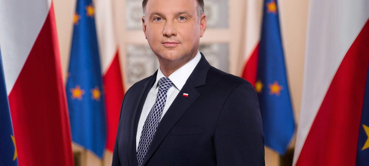Prezydent Andrzej Duda zapowiada czasowe zwolnienie ze składek ZUS i dopłaty do pensji