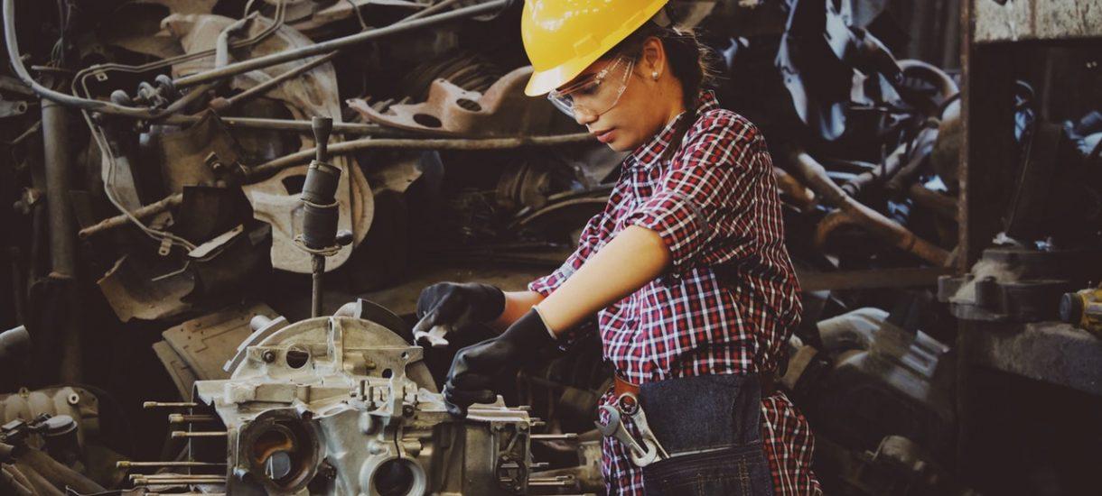 Zwolnienie pracownika z powodu braku kwalifikacji nie zawsze jest możliwe – czasem pracodawca musi zapewnić mu dodatkowe szkolenie