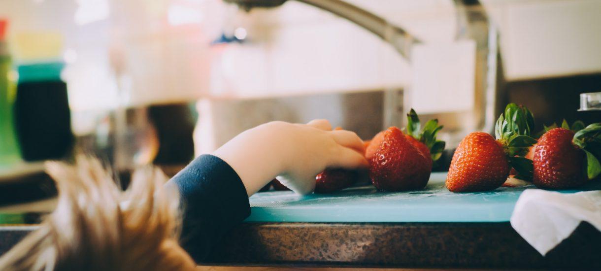 Obniżenie alimentów z powodu koronawirusa jest możliwe, ale trudne do uzyskania z powodu zawieszenia pracy sądów