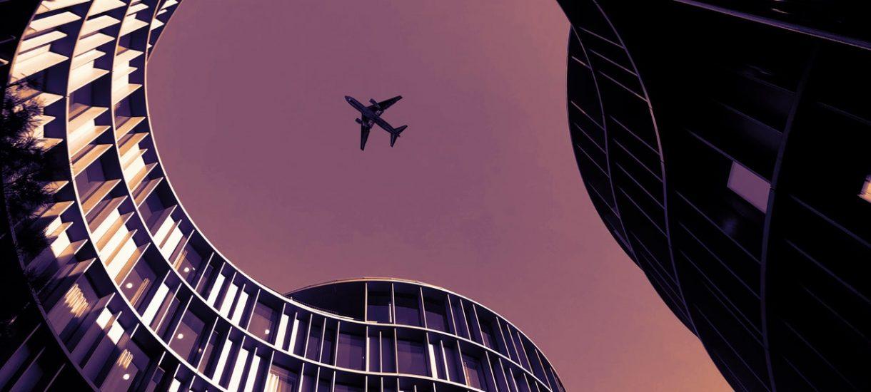 Linie lotnicze nie chcą zwracać pieniędzy i oferują klientom vouchery. KE przypomina, że nie trzeba się na to zgadzać
