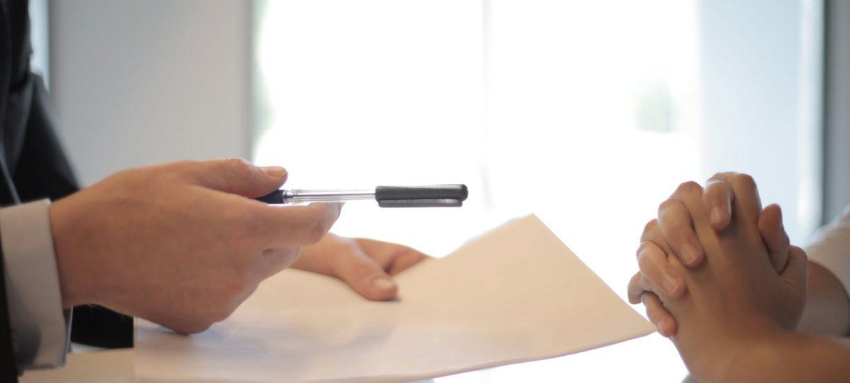 Pracownia Prostej Polszczyzny UWr proponuje wzór prostej i zrozumiałej umowy pożyczki. To bardzo dobra inicjatywa