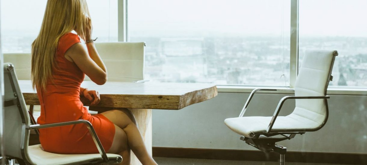 5 rzeczy, do których może zmusić cię twój pracodawca – niektóre z nich wciąż budzą oburzenie