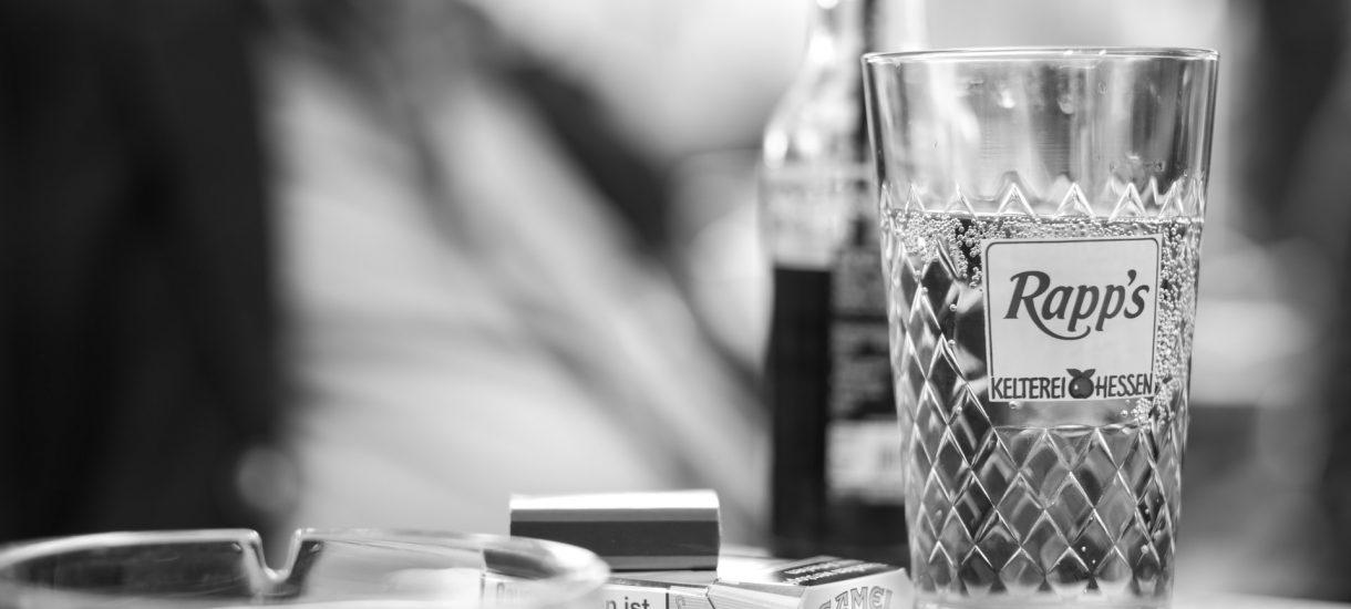 Zakaz sprzedaży alkoholu w trakcie pandemii koronawirusa jest możliwy i nie jest całkowicie bezsensowny