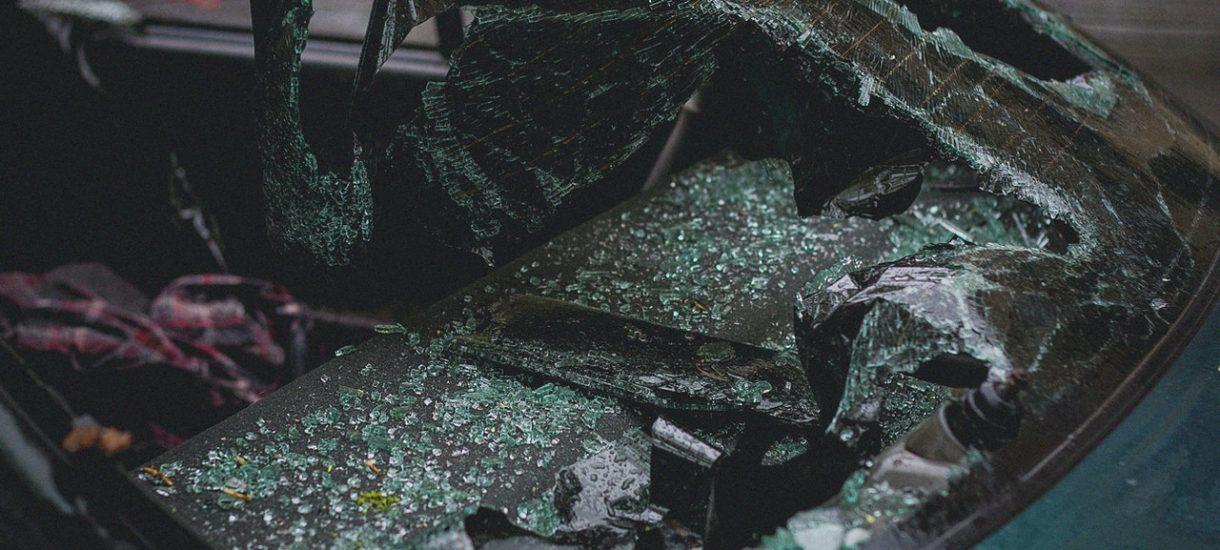 Kierowco, pamiętaj: nieudzielenie pomocy ofierze wypadku to odpowiedzialność od grzywny, przez utratę prawa jazdy, aż po karę pobawienia wolności
