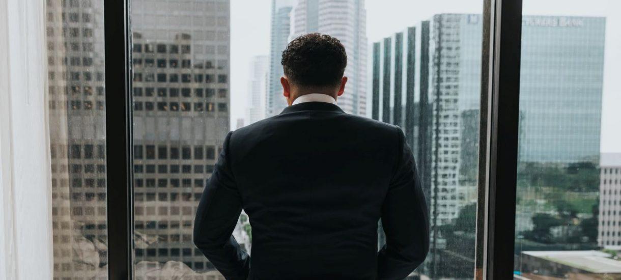 Staż pracy ma wpływ nie tylko na długość przysługującego ci urlopu, ale także na wiele innych uprawnień pracowniczych