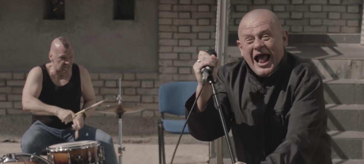Piosenka Kazika o Kaczyńskim wygrała listę przebojów Trójki, więc ze stron radia zniknęła strona z ostatnim notowaniem