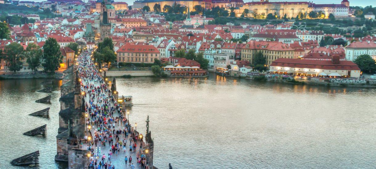 W wakacje wyjedziemy za granicę, ale… tylko do Czech, Węgier i Słowacji?