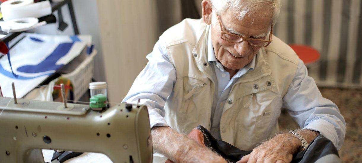 Urząd skarbowy zajmuje emerytury osób, które nie płaciły abonamentu RTV. Skarbówka ruszyła z egzekucją należności
