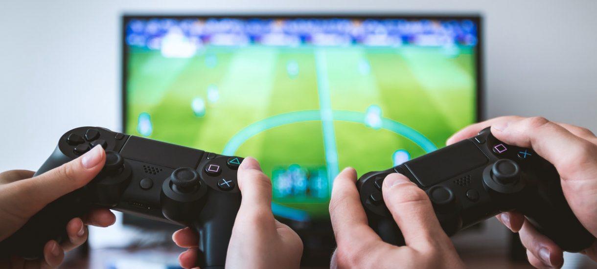Można już zaliczyć WF, uprawiając e-sport. Niestety, dotyczy to jedynie studentów – a szkoda