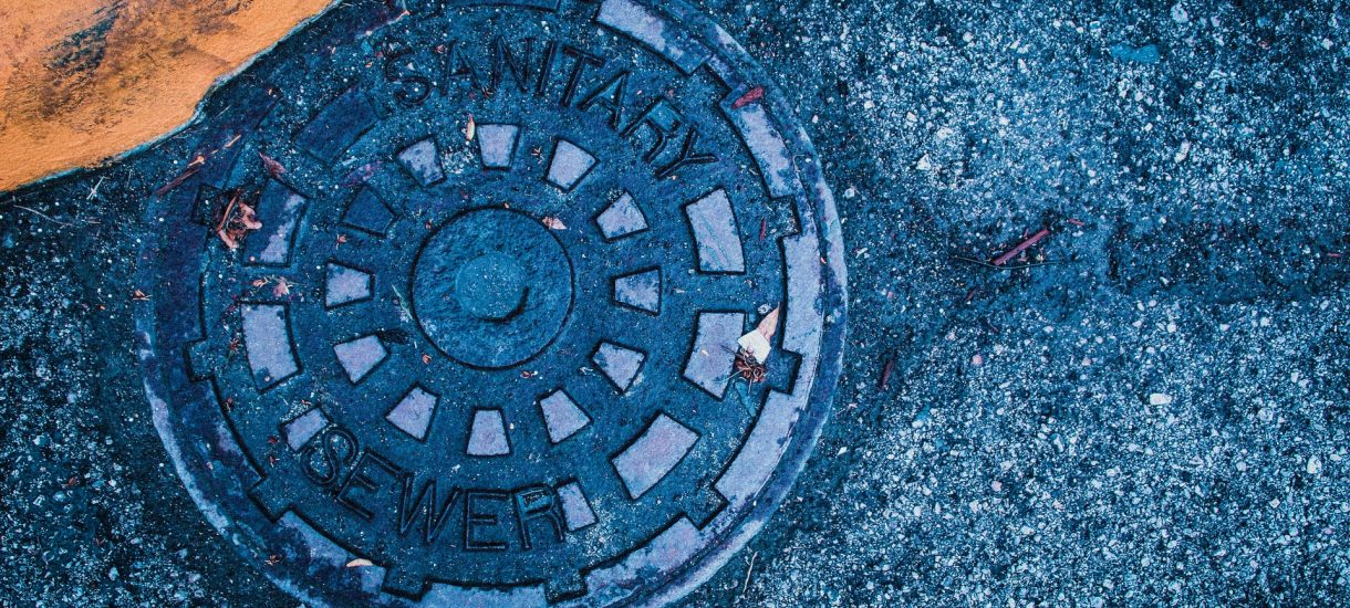 Obowiązek przyłączenia do sieci kanalizacyjnej to twój obowiązek i czasami nie da się go uniknąć