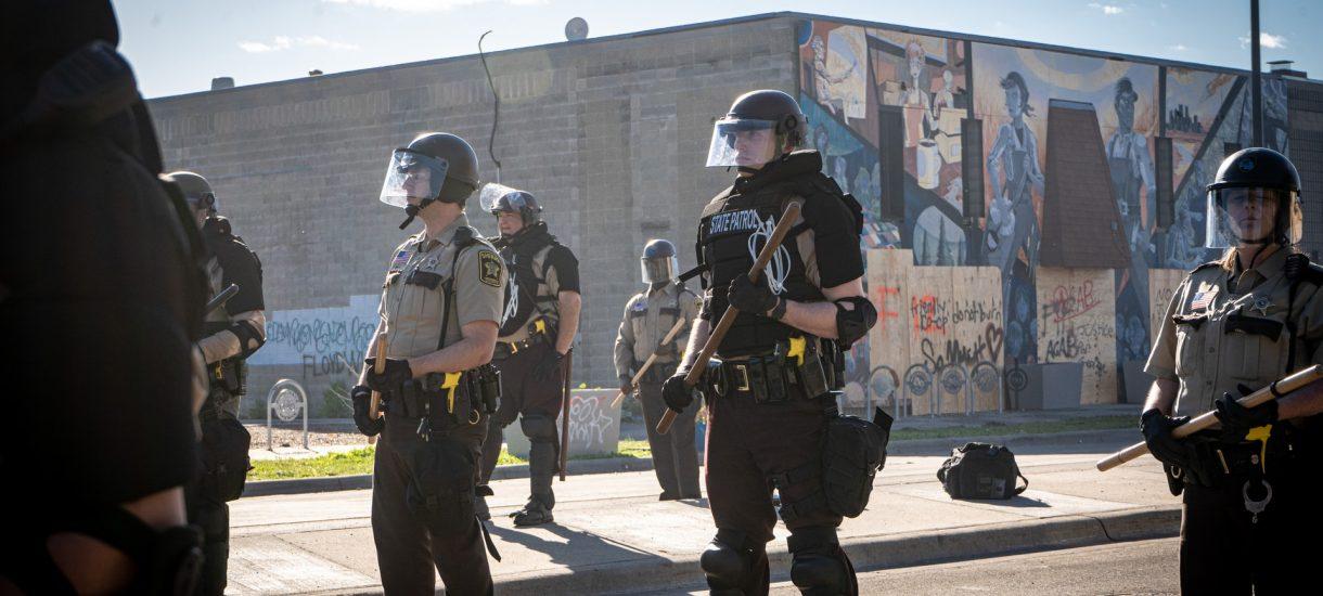 """Minneapolis likwiduje policję. Zamiast tego ma powstać """"zupełnie nowy system bezpieczeństwa"""""""