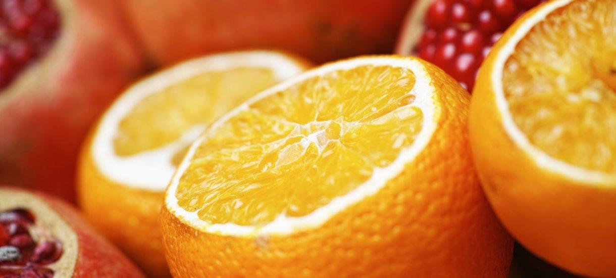 Nowe stawki VAT wejdą w życie już od 1 lipca. Zmienia się m.in. opodatkowanie owoców, pieczywa czy przypraw