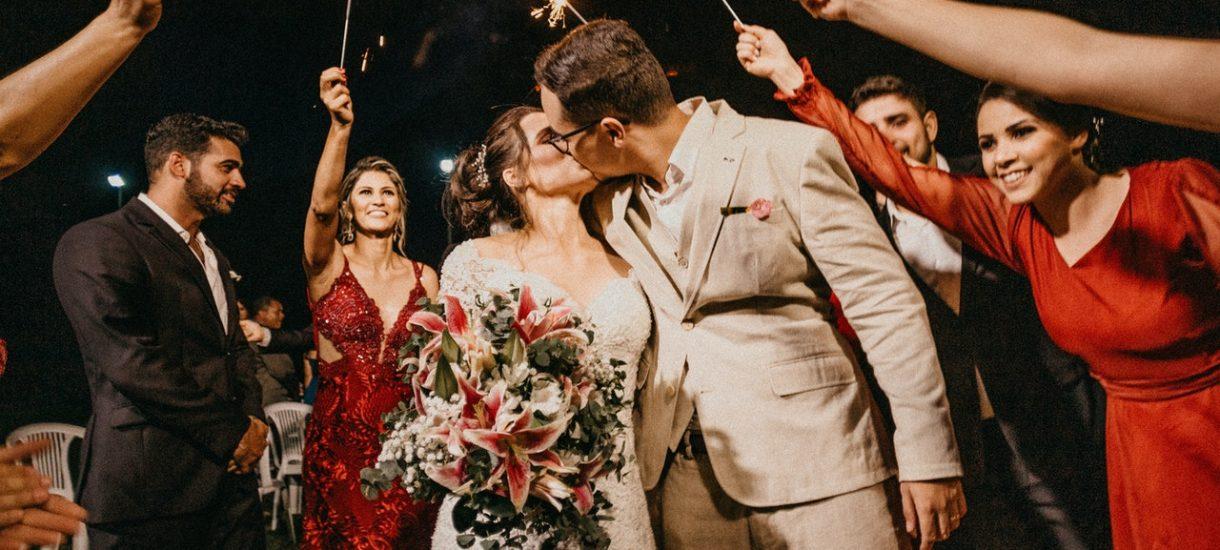 Przywrócenie wesel to zupełnie irracjonalna decyzja, mająca na celu jedynie zaspokojenie społecznych potrzeb, wynikających z polskiej tradycji